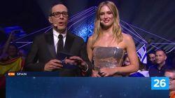 Sorpresa generalizada por el gesto de los presentadores de Eurovisión con