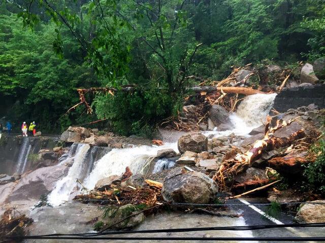 屋久島で登山者ら250人以上が孤立。非常に激しい雨で土砂崩れが発生