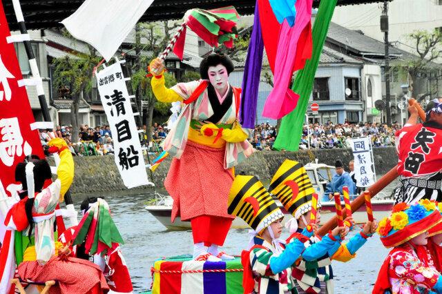 松江市でホーランエンヤが10年ぶりに開幕 14万人の観客を魅了