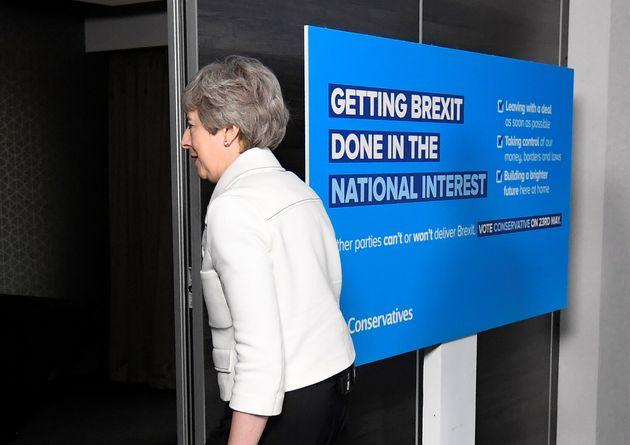 Brexit: «Bελτιωμένη δέσμη μέτρων» υπόσχεται η Μέι στο νέο νομοσχέδιο της συμφωνίας