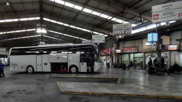 Συνελήφθη ο άνδρας που απειλούσε με μαχαίρι οδηγό λεωφορείου για να τον μεταφέρει στην