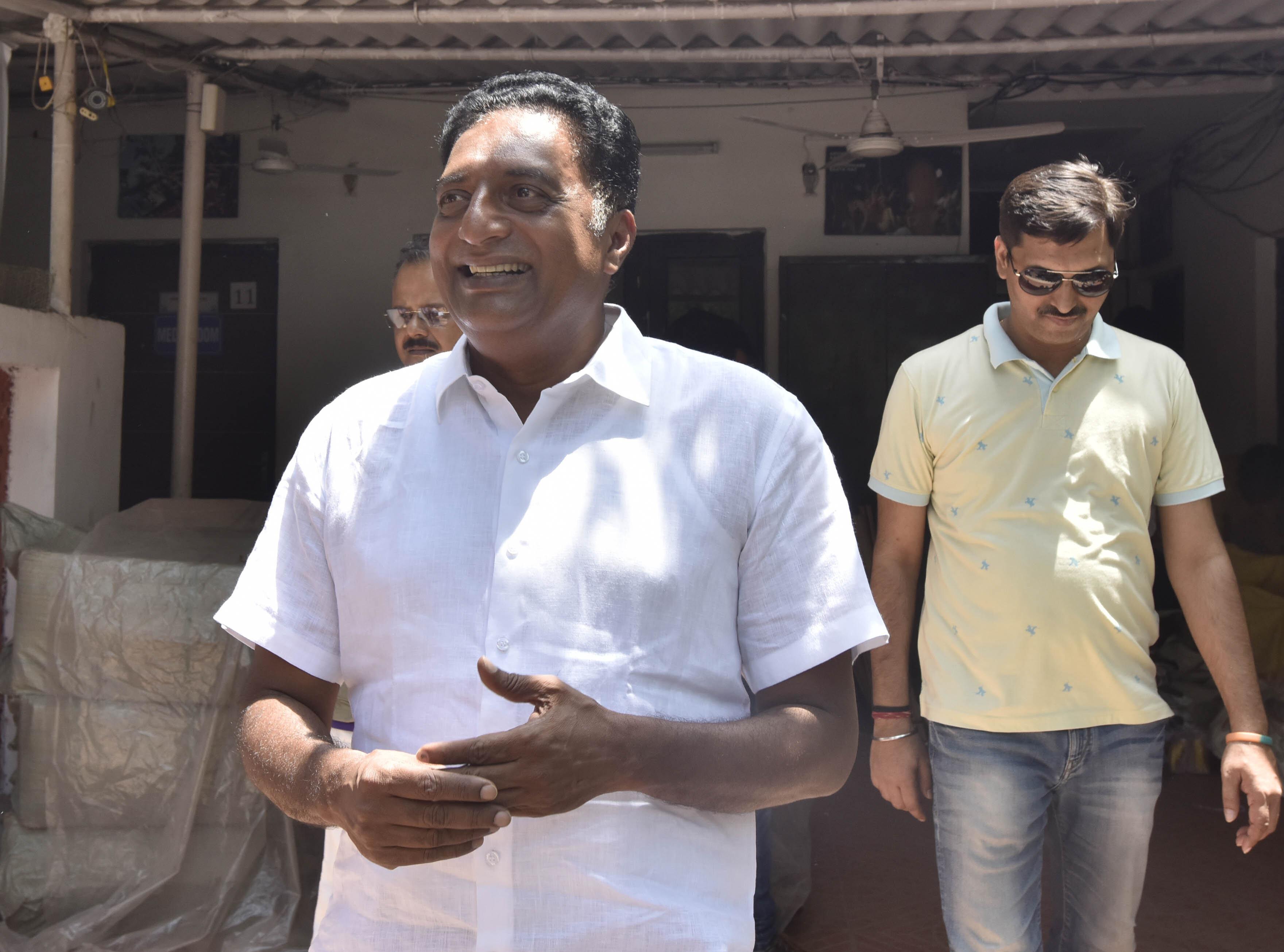 In Bengaluru Central, Prakash Raj's Fight Isn't Just Against the