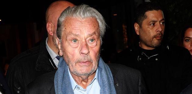 Alain Delon est à Cannes pour recevoir ce dimanche 19 mai une palme d'or d'honneur pour l'ensemble...