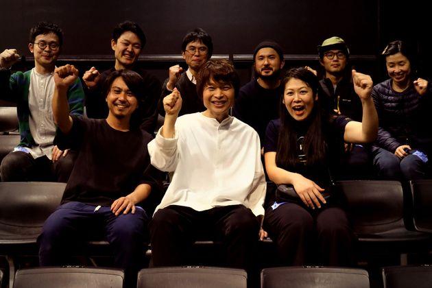 茂木さんと製作チーム。