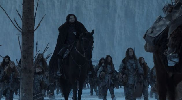 Jon prend la route du Nord avec Tormund et les