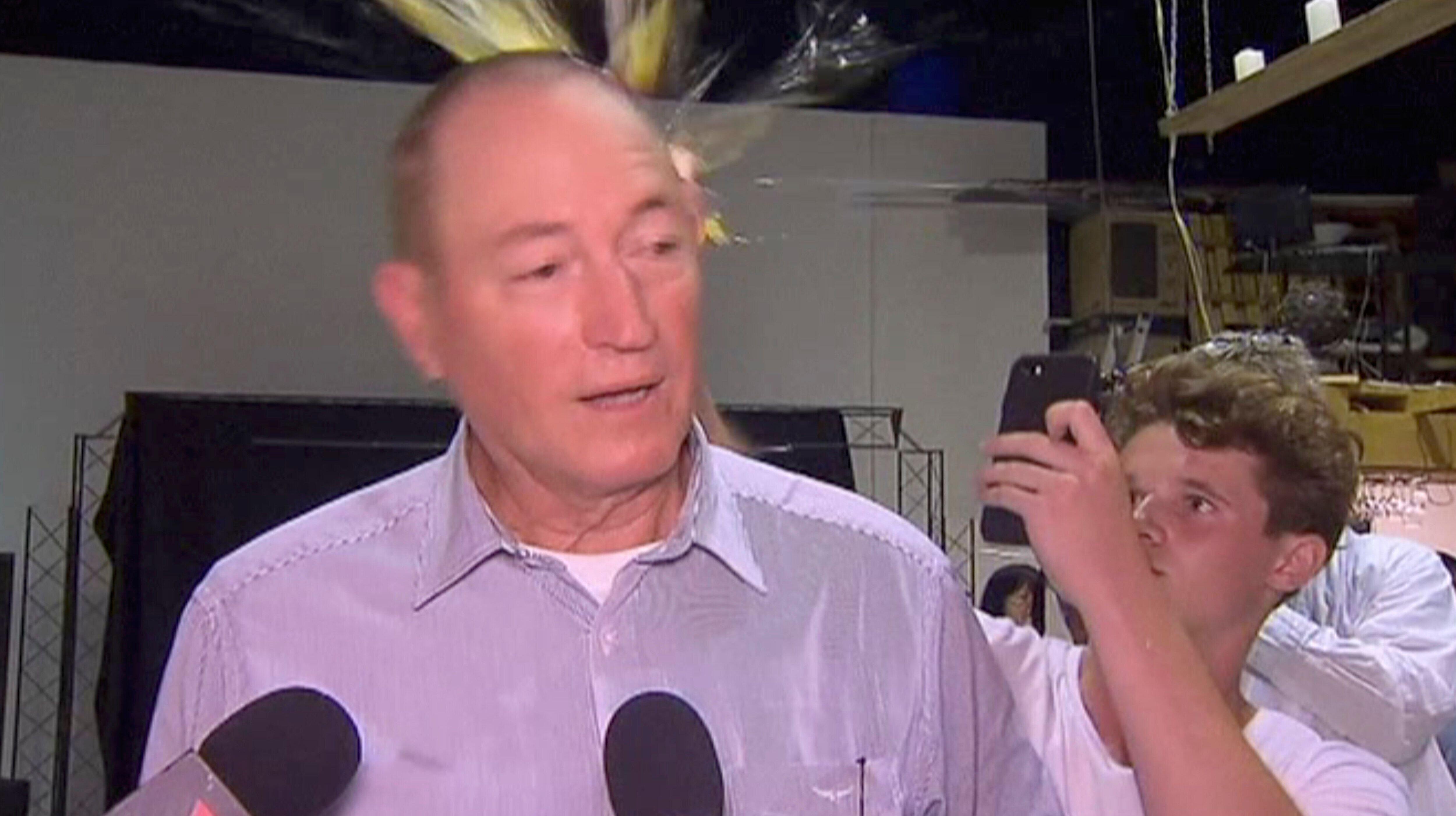 소년에게 계란 맞았던 호주 극우 의원이 결국 의석을
