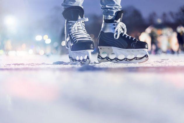 국가대표 아이스하키 선수 2명이 10년 전 성폭행을