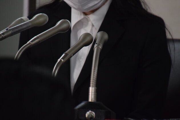 2019年3月22日、元受験生33人が、東京医大に対し約1億3000万円の損害賠償を求めて提訴した際の記者会見に同席した女性。