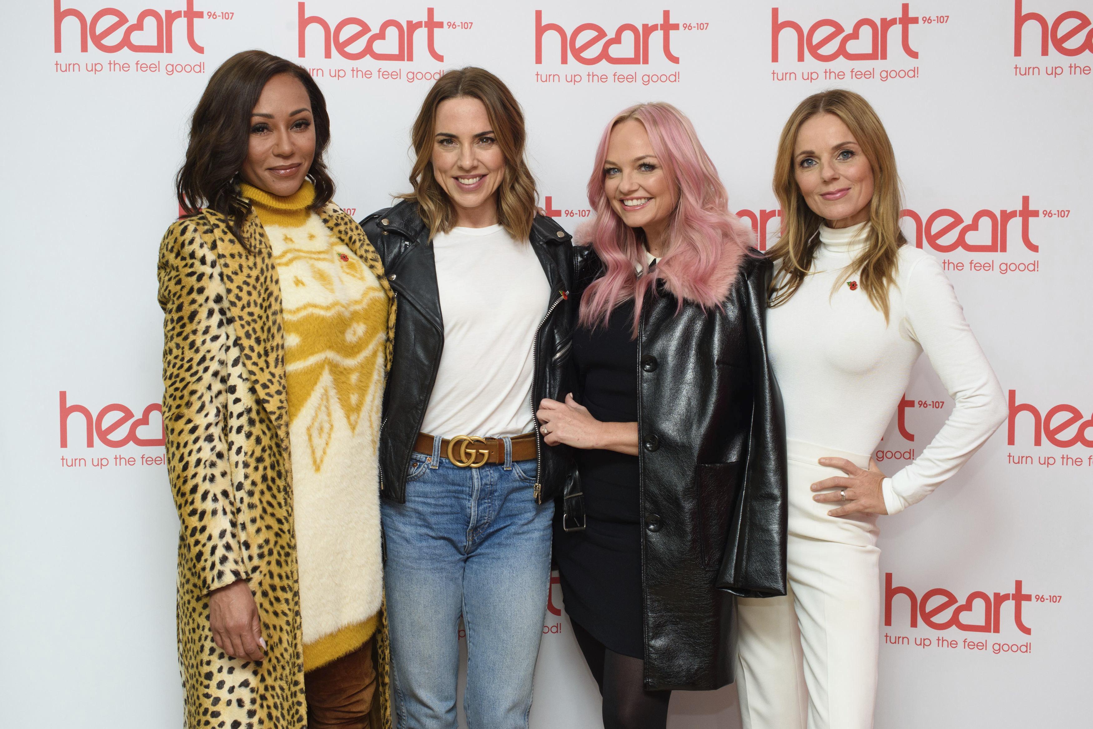 ARCHIVO- En esta fotografía del miércoles 7 de noviembre de 2018 se muestra a las Spice Girls, Melanie Brown (izquierda), Melanie Chisholm, Emma Bunton y Geri Horner durante un espectáculo en Londres. (Matt Crossick/PA via AP, Archivo)