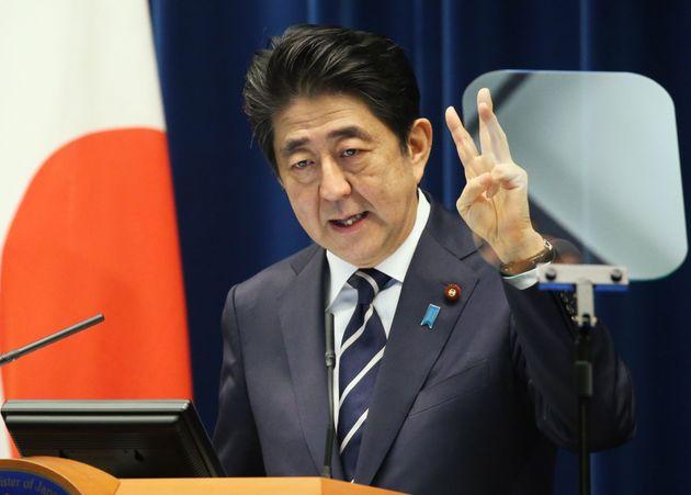 首相記者会見/会見する安倍首相