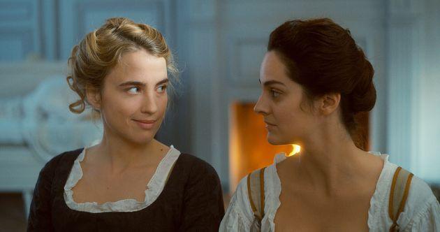 Adèle Haenel et Noémie Merlant dans