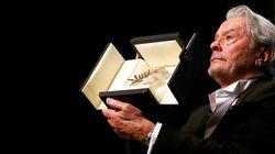Alain Delon vince la Palma d'Oro d'onore e commosso annuncia l'addio: