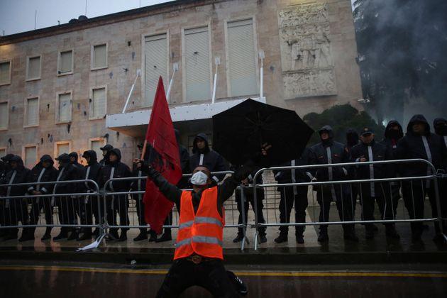 Αλβανική άνοιξη: Αλήθεια ή