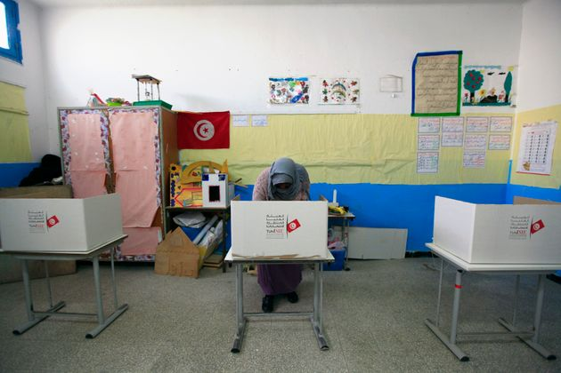 Sondage Elka consulting: Nabil Karoui en tête talonné par Kais