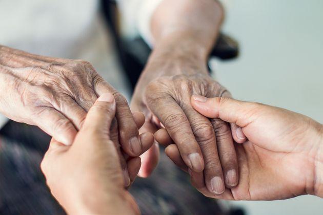 El freno a los cuidados paliativos sitúa a España a la cola de