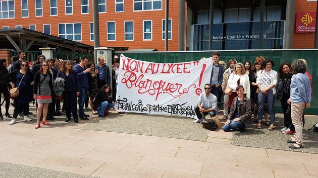 Un collectif d'enseignants mobilisés contre les réformesdu lycée et de la...