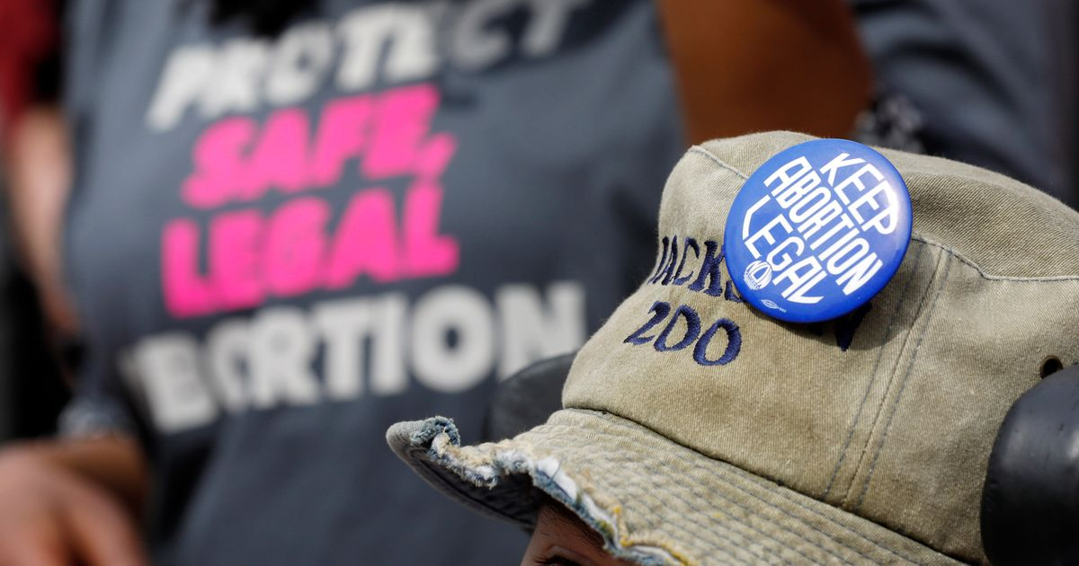 Federal Judge Blocks Mississippi Abortion Law thumbnail