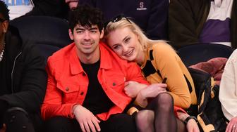 NEW YORK, NY - MARCH 09:  Joe Jonas and Sophie Turner attend the Sacramento Kings v New York Knicks game at Madison Square Garden on March 9, 2019 in New York City.  (Photo by James Devaney/Getty Images)