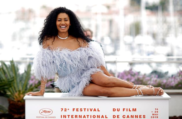 Leyna Bloom posa no Festival de Cannes