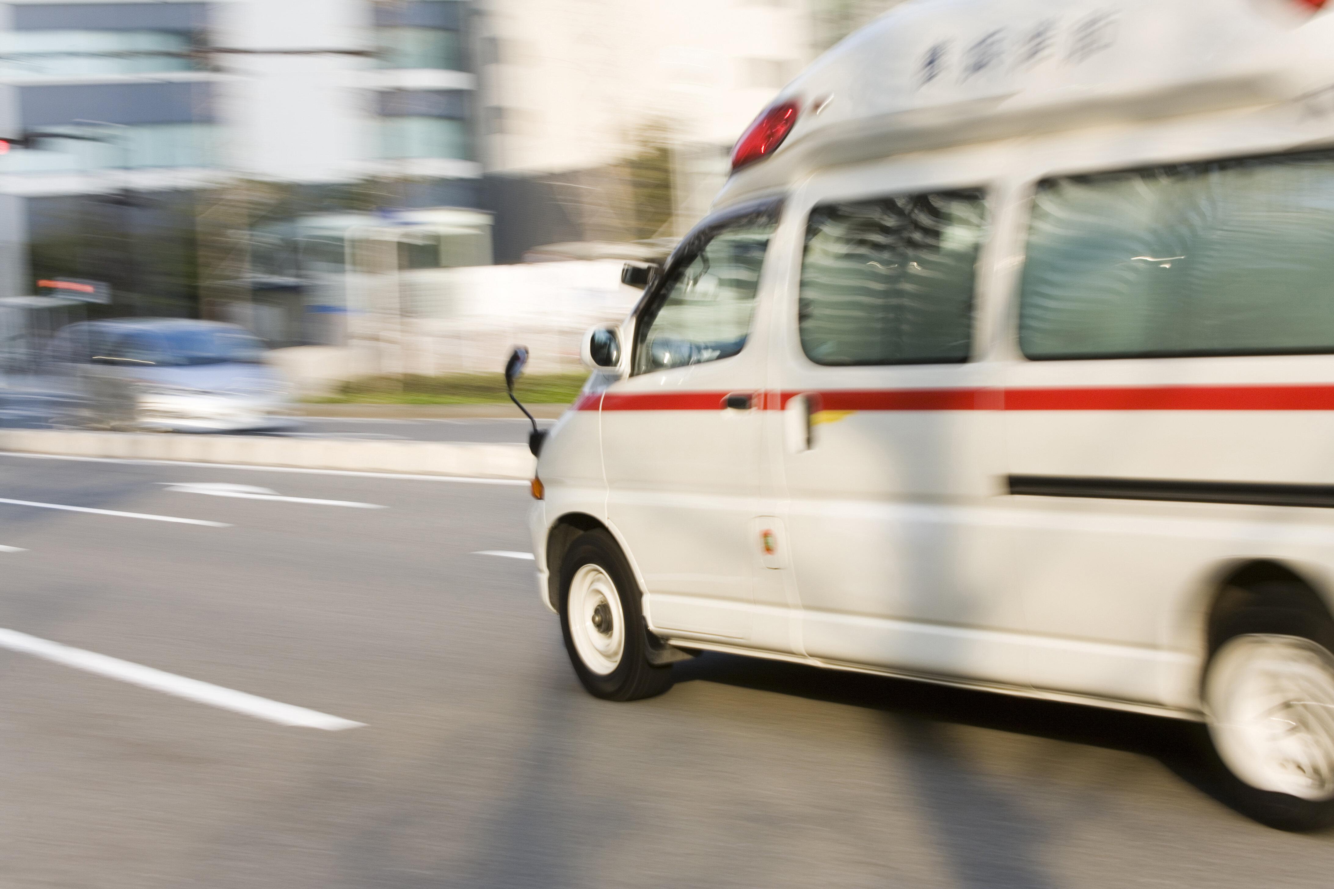 難病「先天性筋ジストロフィー」の生徒、通学バス内で死亡。通報まで16分「教員の力量不足」