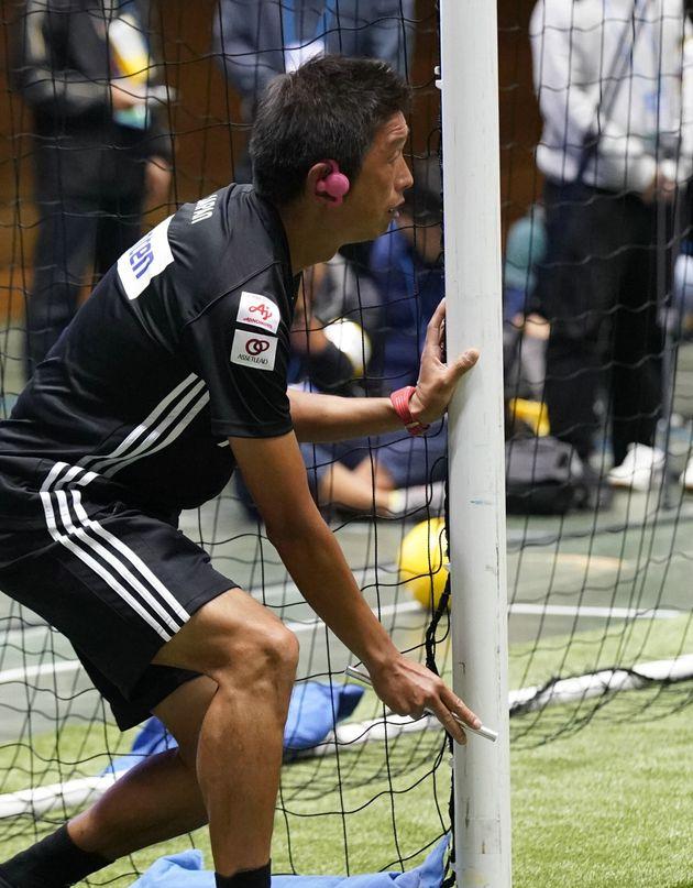 ブラインドサッカー/ゴール位置を伝えるガイド