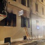 Nordafricano incendia sede della polizia di Mirandola, due morti. Salvini: