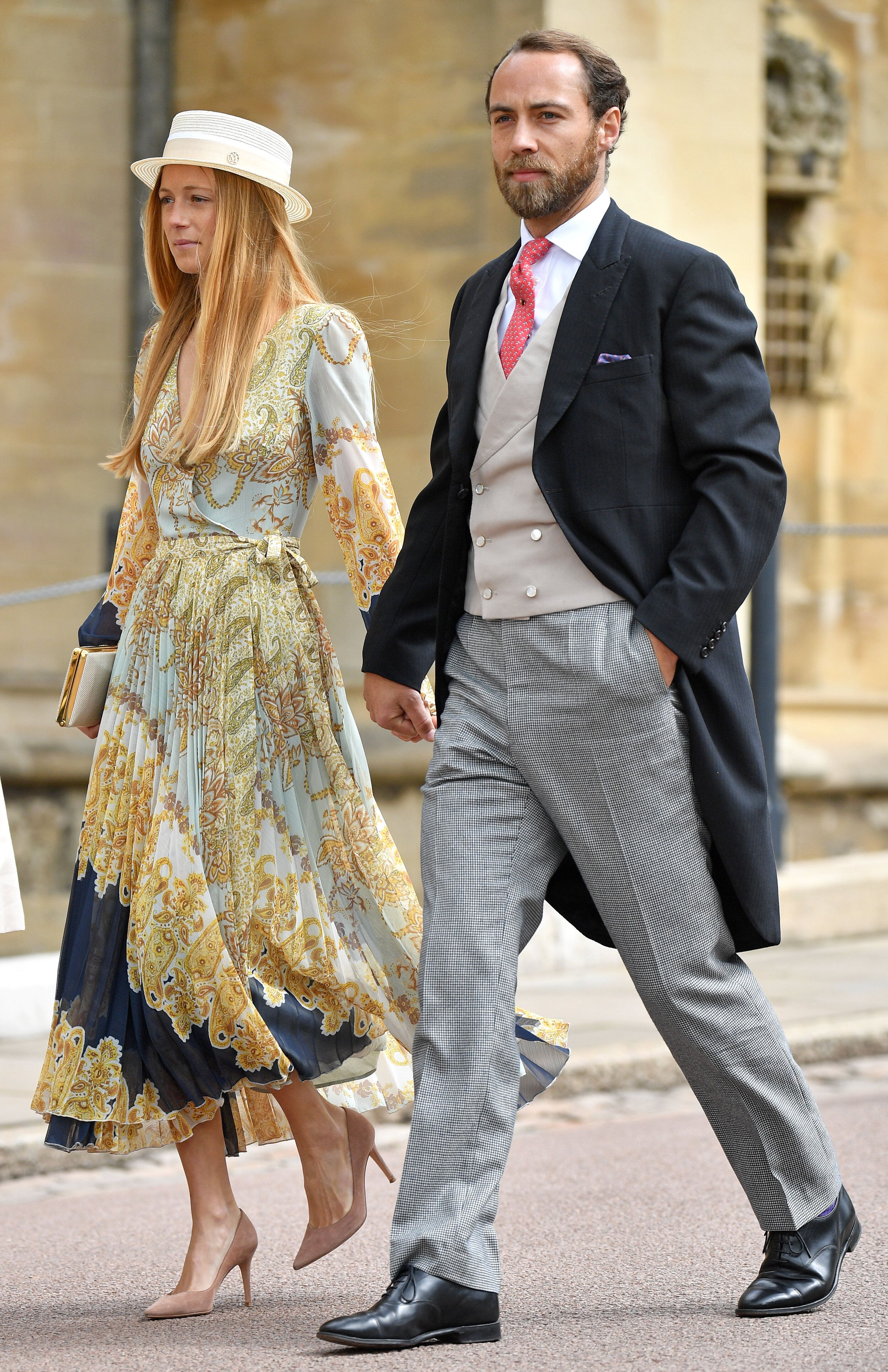 Al royal wedding di Gabriella Windsor con l'abito H&M da 57 euro. La scelta low cost della fidanzata di James