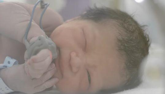 Un médico de Albacete inventa una incubadora que puede salvar la vida a bebés de todo el