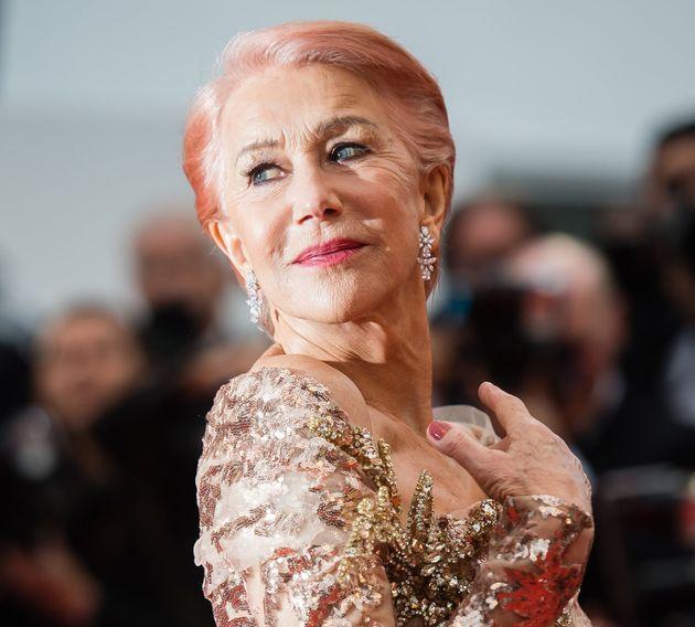 Helen Mirren a Cannes in total pink dimostra che è sempre lei