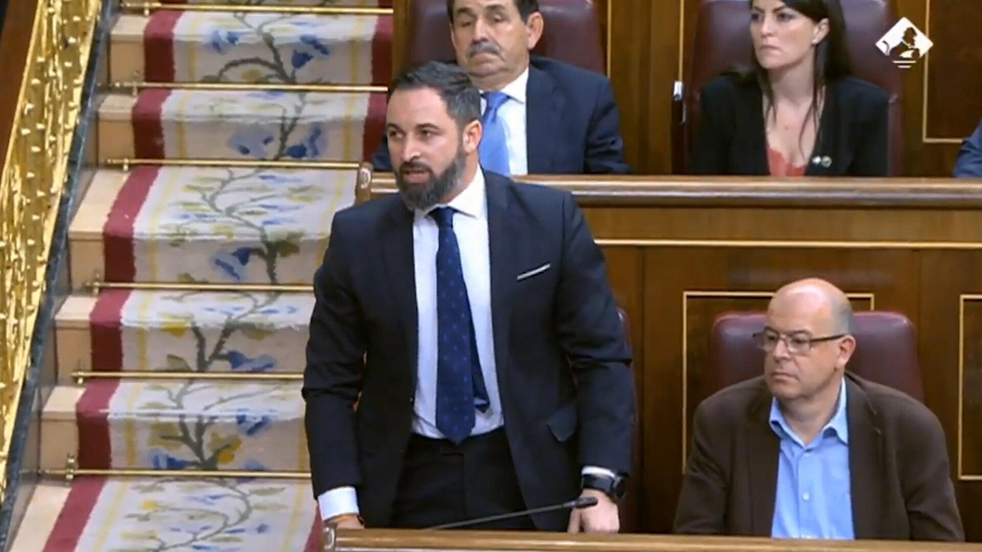 """″¡Por España!"""", así ha jurado Santiago Abascal su cargo en el"""