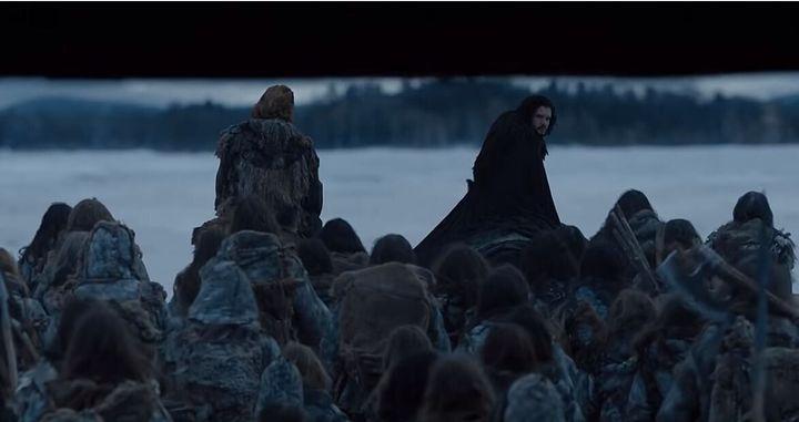 """Η σειρά τελειώνει όπως άρχισε. Ένας της Night's Watch βγαίνει από το Black Castle και η πόρτα να """"πέφτει"""" πίσω του. Πλήρης κύκλος και εδώ."""
