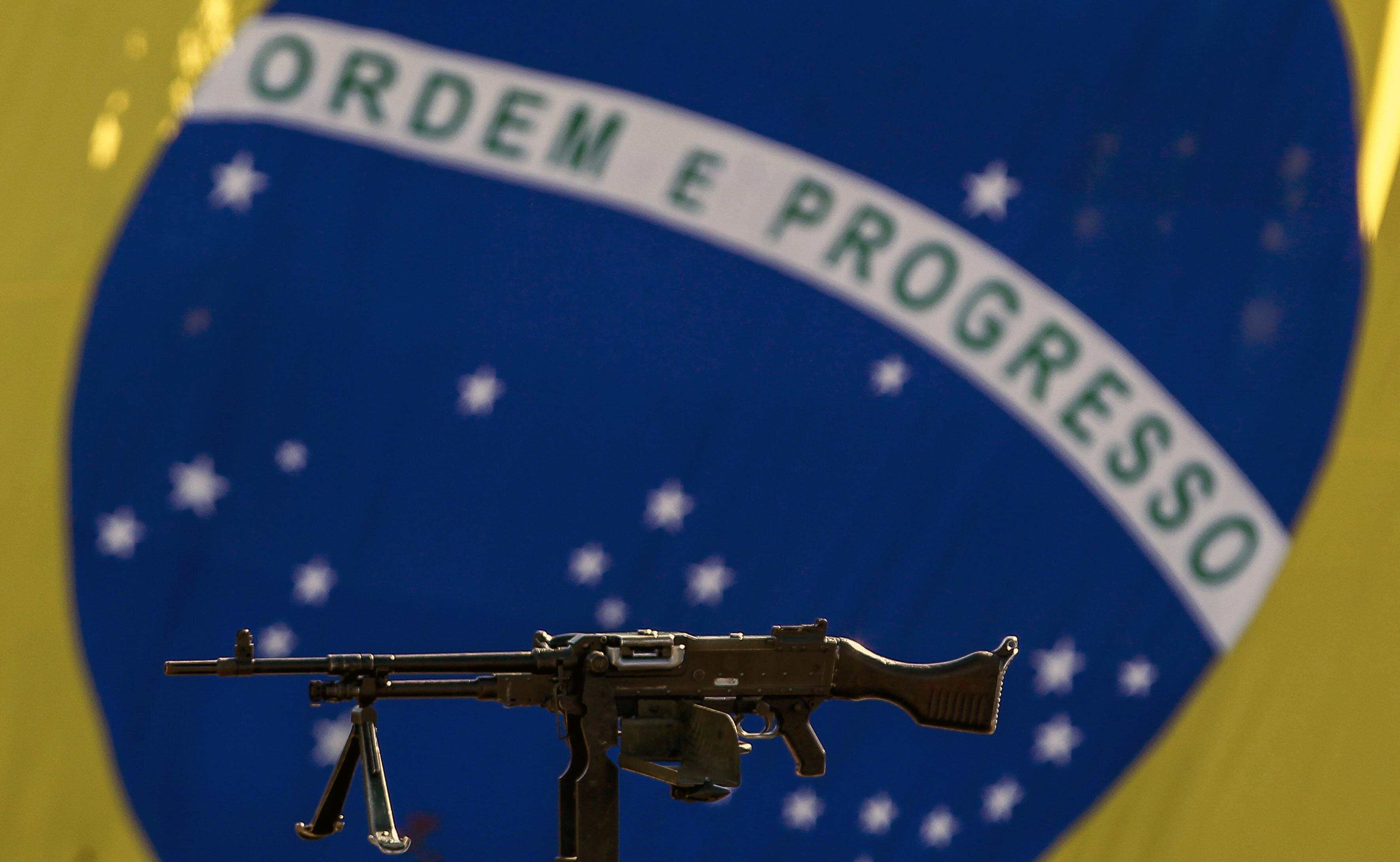 Decreto de armas permite compra de fuzil por cidadão