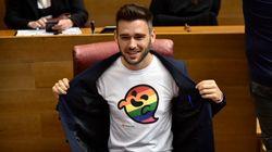 Avec ce petit fantôme, des députés espagnols ont pris les homophobes à leur propre