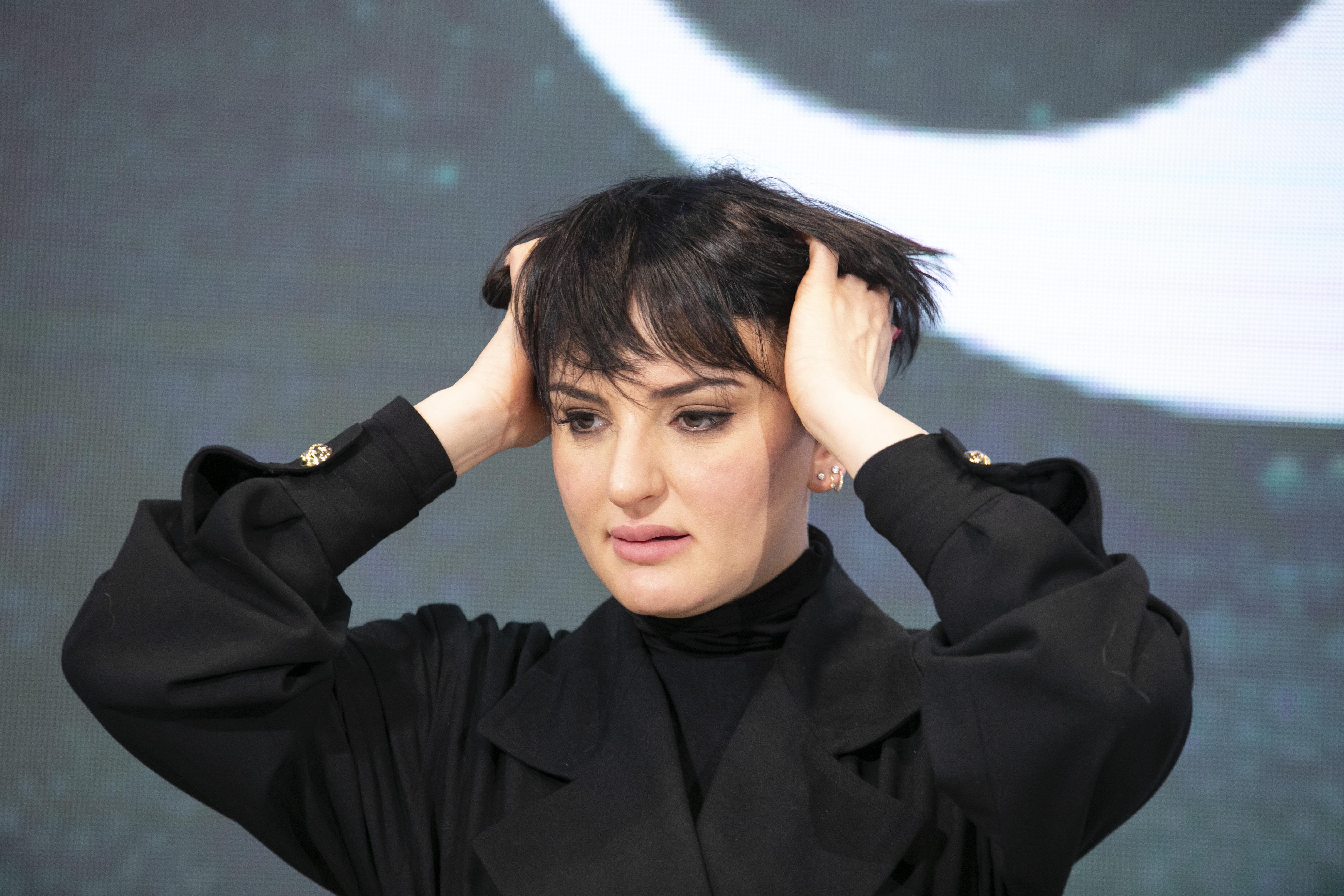 """Arisa: """"Non mi faccio crescere i capelli per non strapp"""
