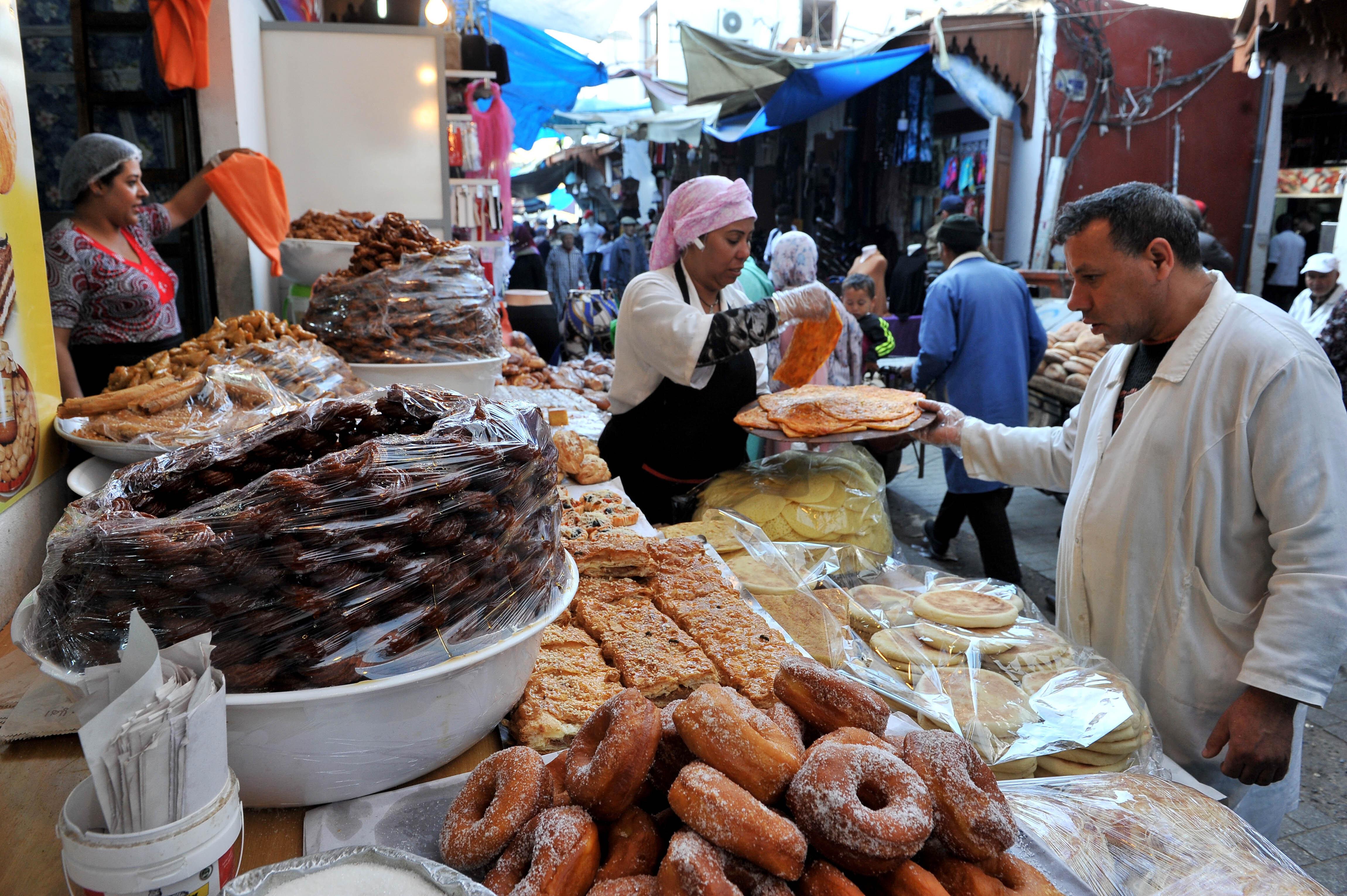 Des tonnes d'aliments impropres à la consommation retirés des commerces à Rabat et