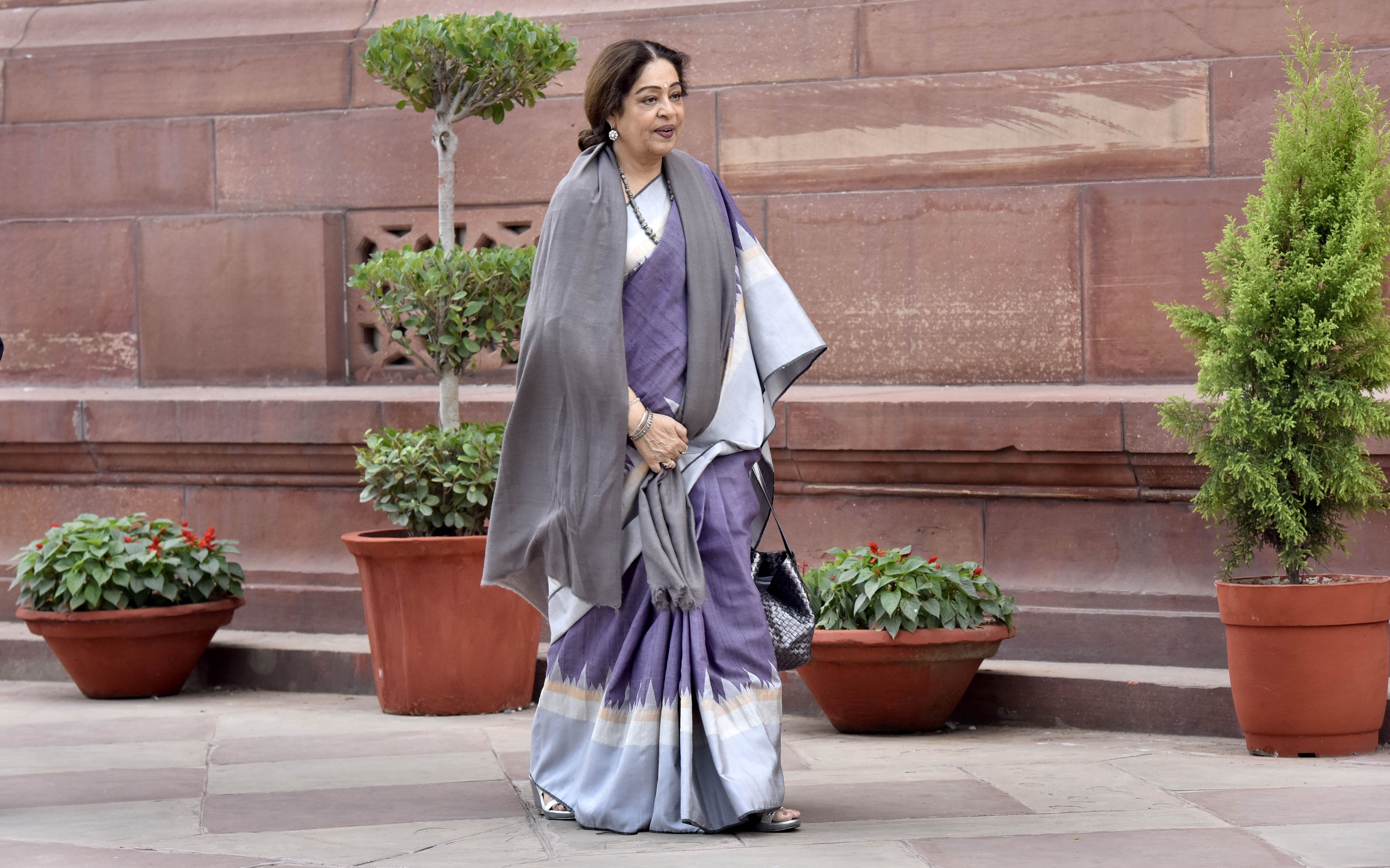 BJP's Kirron Kher In A Close Contest With Congress' Pawan Bansal In