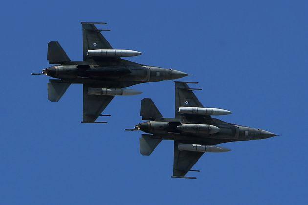 Πρώτες πτήσεις ελληνικών μαχητικών στον σκοπιανό εναέριο