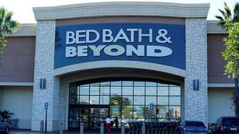 FILE PHOTO: A Bed, Bath & Beyond store is pictured in San Marcos, California September 24, 2014.  REUTERS/Mike Blake/File Photo