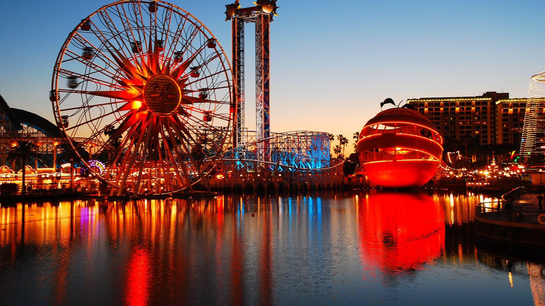 17 Creative Ways to Save Money at Disneyland | HuffPost Life