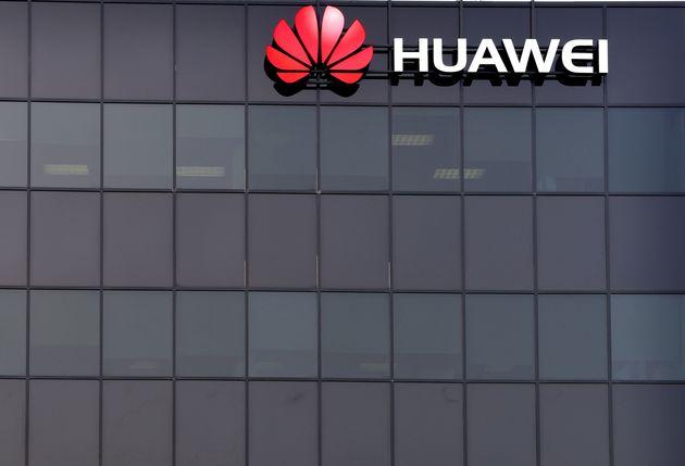 Huawei sfida Trump e Google: