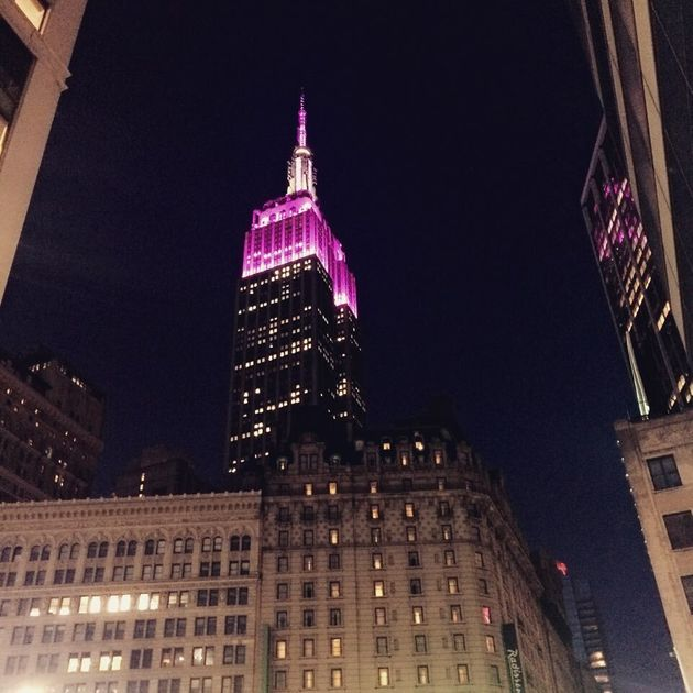 21일 밤 뉴욕 엠파이어스테이트빌딩이 보라색으로 빛난 건 방탄소년단 때문만이