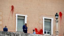 Δίωξη σε βαθμό κακουργήματος στα μέλη του Ρουβίκωνα για την επίθεση στη