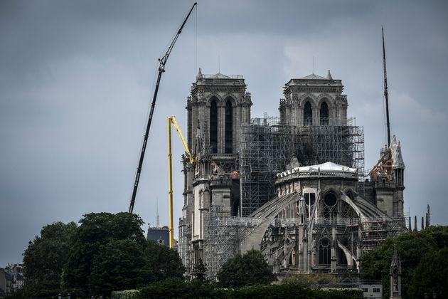 Pollution au plomb autour de Notre Dame: une plainte contre X