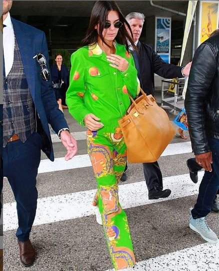 Kendall Jenner opte pour un total look made in