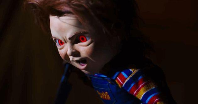 Chucky, o brinquedo assassino, volta para aterrorizar o público e a
