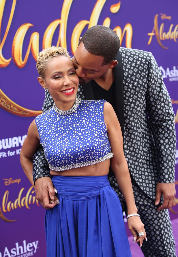 The couple wasn't afraid of PDA on the red carpet.