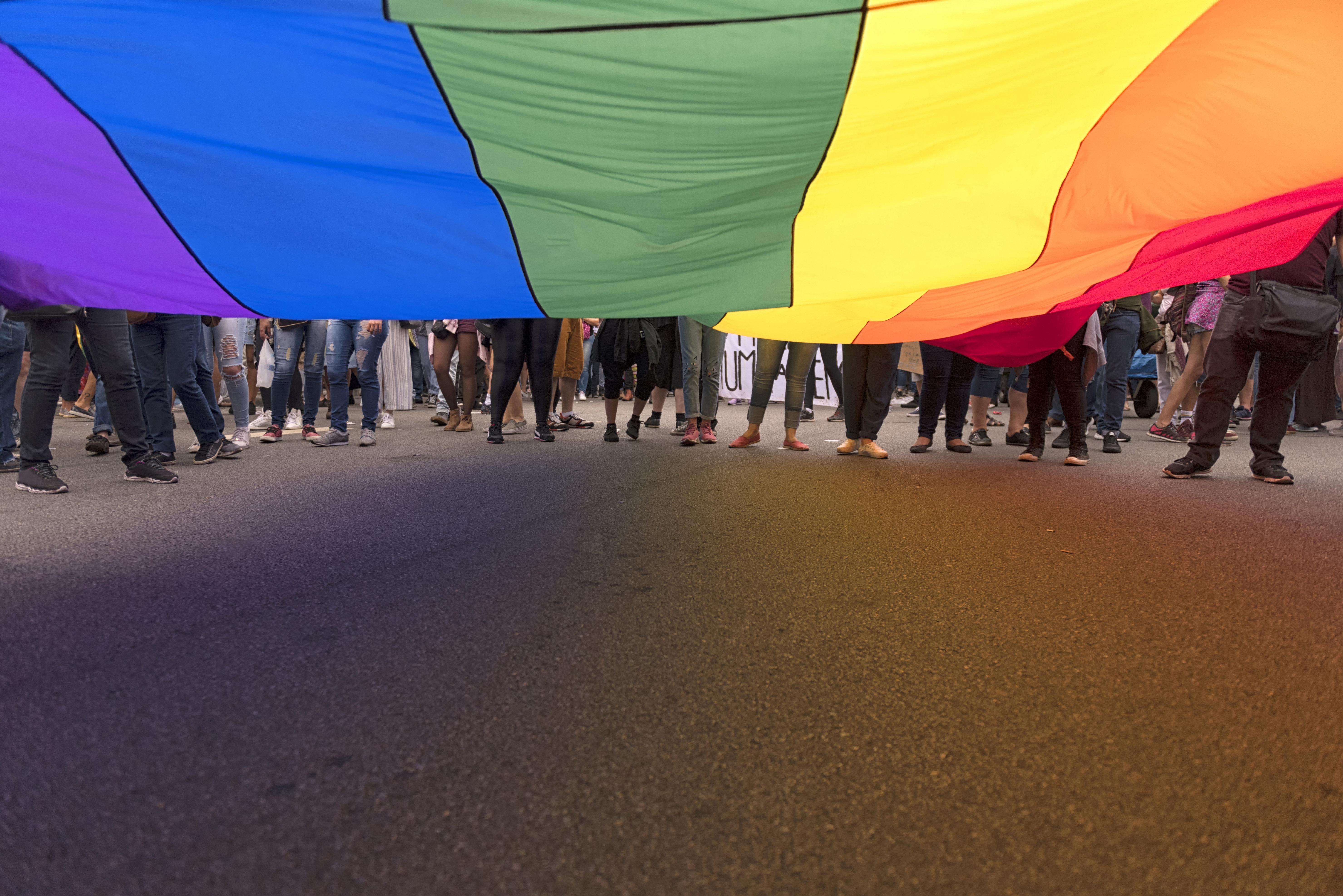 Criminalização da LGBTfobia é aprovada no Senado, com exceção para templos