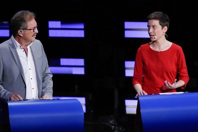 Nico Cué y Ska Keller (Los Verdes), durante el debate de los candidatos a presidir la Comisión
