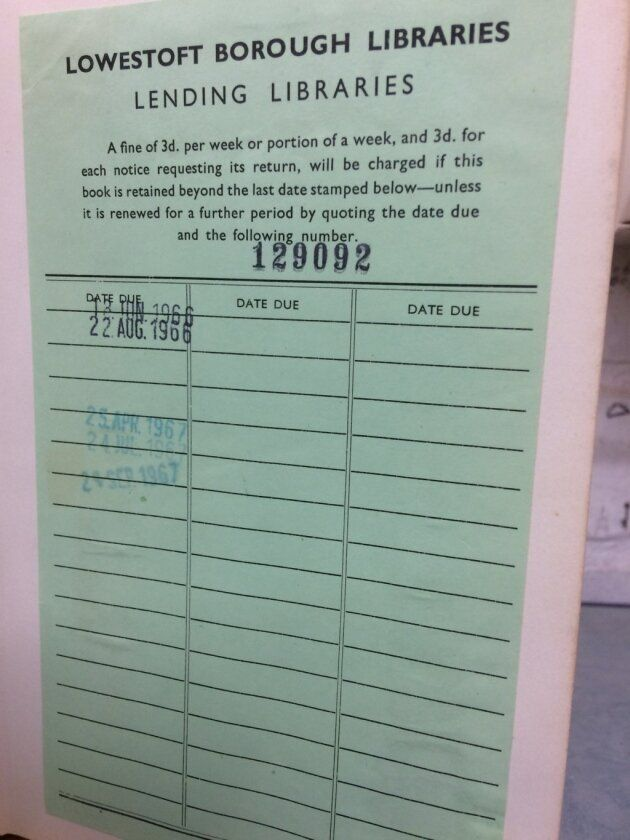 Βρετανία: Επέστρεψε βιβλίο σε βιβλιοθήκη μετά από 52 χρόνια με μια επιταγή