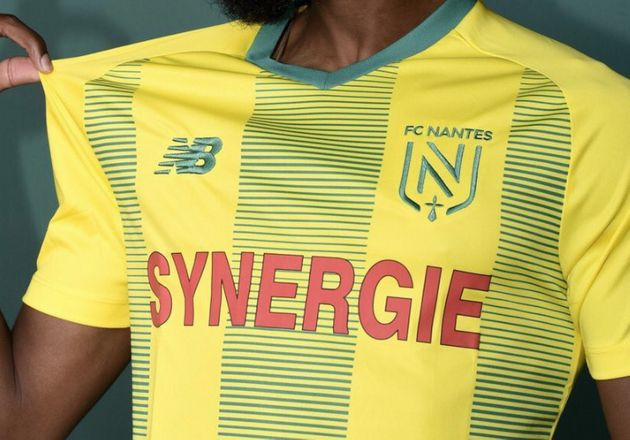 Le nouveau logo du FC Nantes n'arbore plus les huit étoiles de champion de France du